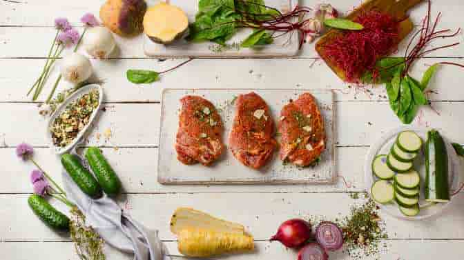 can you marinate raw chicken and steak together